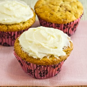 Snickerdoodle Muffins with White Chocolate Cream Cheese Frosting